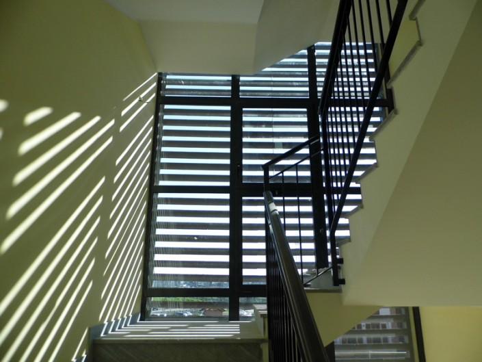 Emmeproject - Impennate in alluminio con frangisole in cotto grigio Hermattan - San Marco