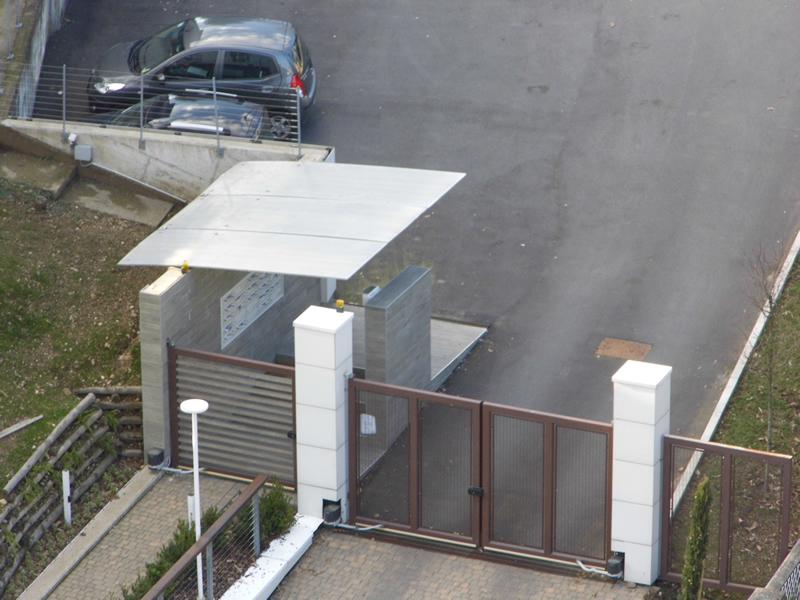 Cancello Ferro Due Ante.Progetti Speciali Carpenteria Metallica E Serramentistica Emmeproject