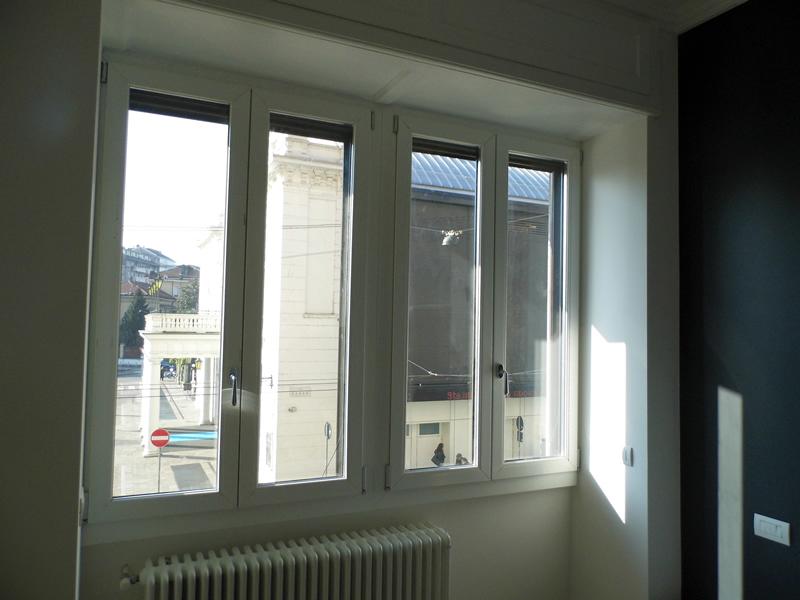Emmeproject - Ristrutturazione con serramenti in pvc bicolore per ricupero energetico ed elevato isolamento acustico